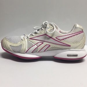 Reebok Easy tone Smooth fit in Pink size(8)